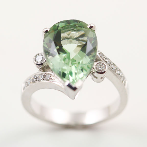 18K WHITE GOLD, GREEN AMETHYST AND DIAMOND RING