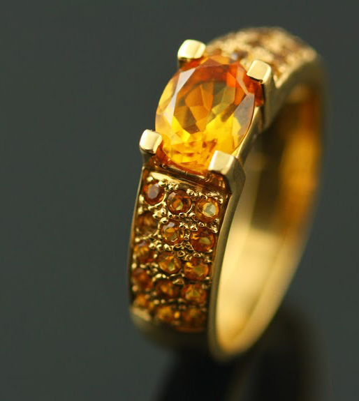 9K YELLOW GOLD AND CITRINE RING