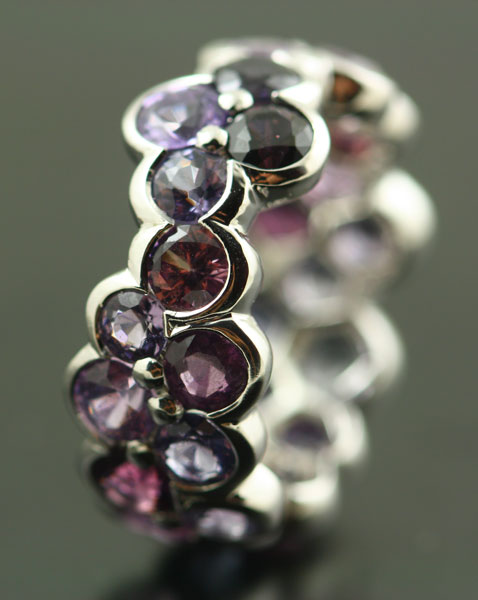 18K WHITE GOLD, MULTI-COLOURED SPINEL RING