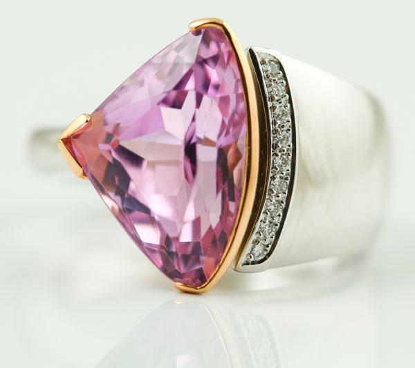 18K WHITE AND ROSE GOLD, KUNZITE AND DIAMOND RING