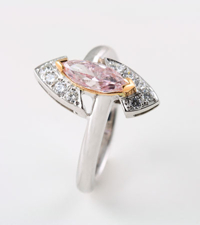18K WHITE AND ROSE GOLD, PINK AND WHITE DIAMOND RING