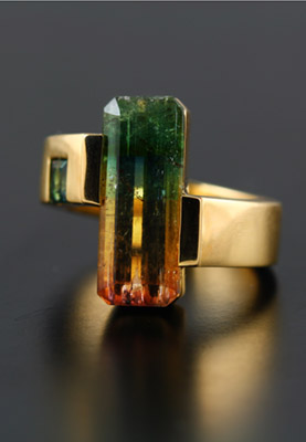 18K YELLOW GOLD AND TOURMALINE RING