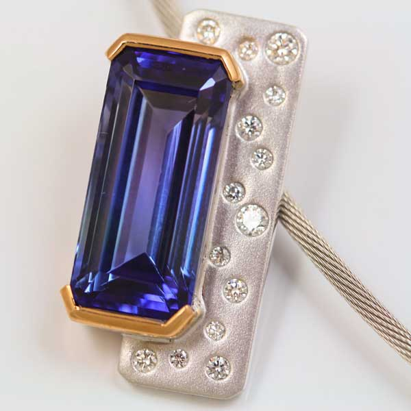 18K ROSE AND WHITE GOLD, TANZANITE AND DIAMOND PENDANT