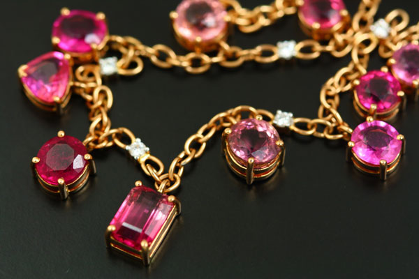 18K ROSE GOLD AND WHITE GOLD, TOURMALINE AND DIAMOND NECKLACE